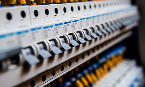 ترخیص مواد اولیه کارخانجات تولید برق